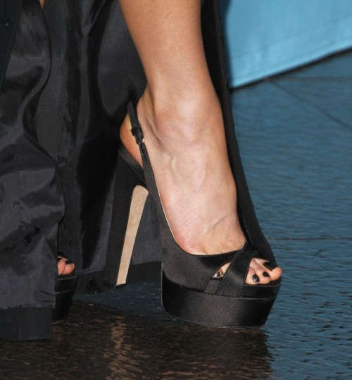 Kate-Beckinsale-Toes-3a26fc07d02ef1b11.jpg