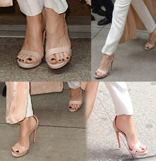 Kate-Beckinsale-Toes-5c7cfc73d9379be50.jpg