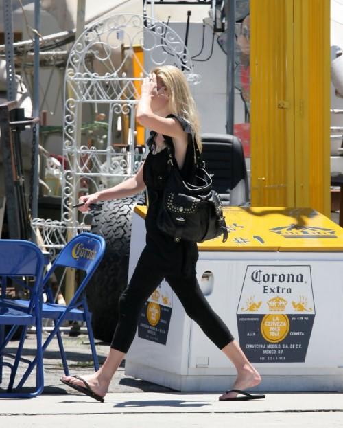 Kate-Bosworths-Feet-10d1ff1aeacc7dc937.jpg