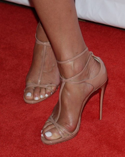 Kate-Walsh-Feet-4326bab4fa1d92de2.jpg