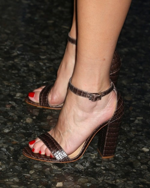 Kate-Walsh-Feet-57a862e1c4a2a8b77.jpg