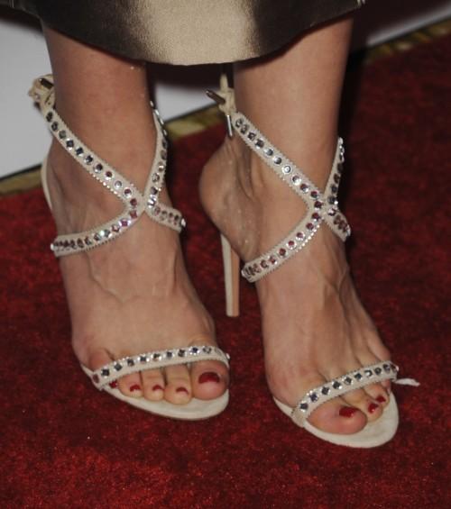 Katharine-McPhee-Feet-264a2912babd4221ee.jpg