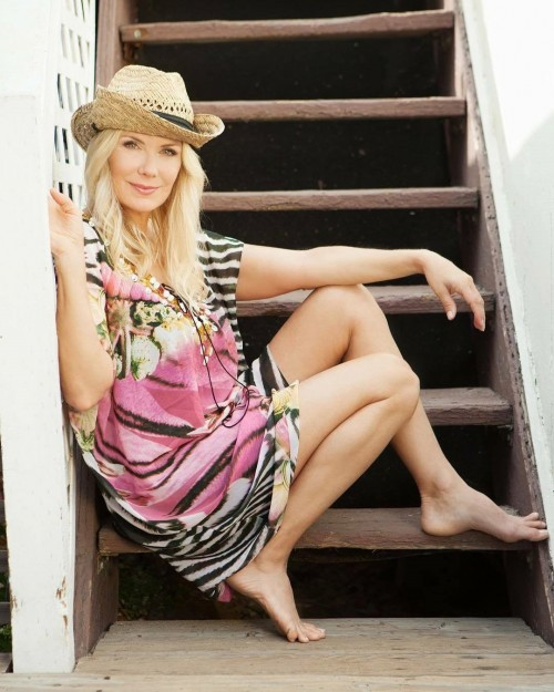 Katherine-Kelly-Lang-Feet-3c56d8ea0954815ea.jpg