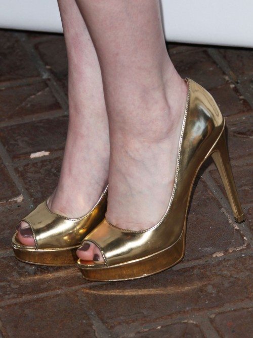 Katherine-McNamaras-Feet-351c684c89edcefa8f.jpg