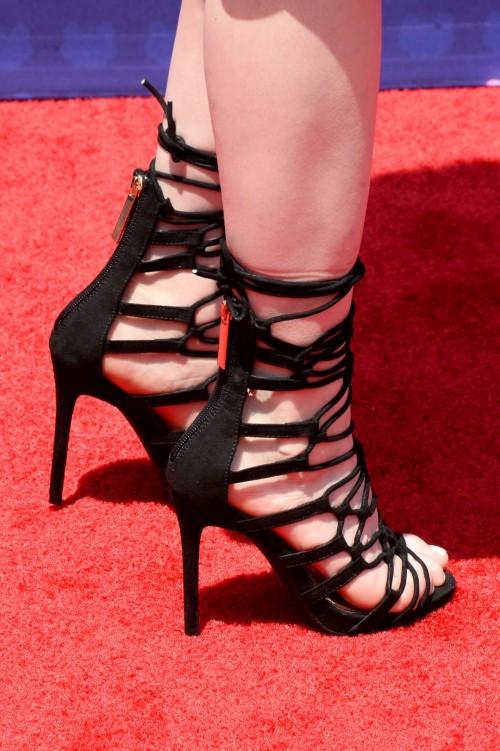 Katherine-McNamaras-Feet-463e5994afdb85ebbe.jpg