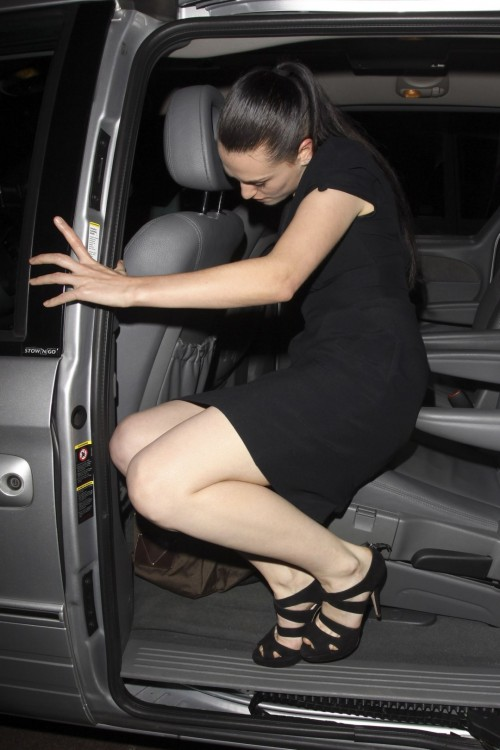 Katie-McGraths-Feet-6392a229dfe0c5ddf.jpg