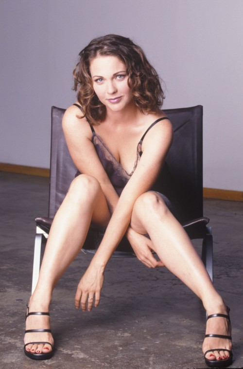 Kelli-Williams-Feet-17d83c07de6b430f3.jpg
