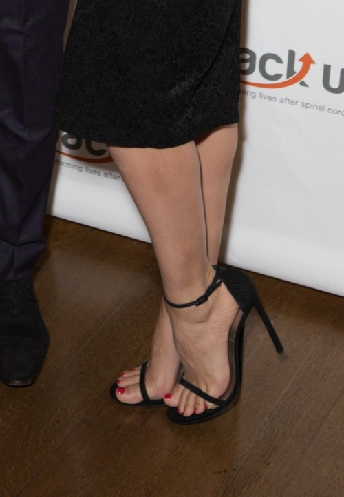 Kelly-Brook-Feet-3418804a27a34172cfe1929.jpg