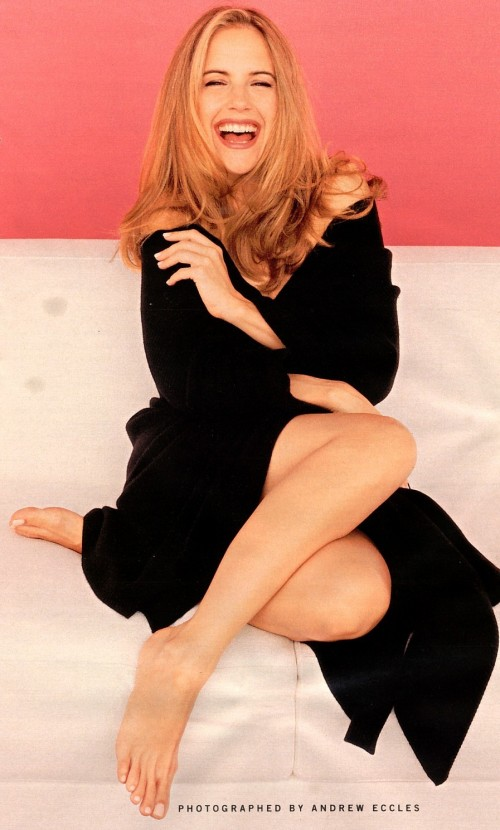 Kelly-Preston-Feet-10cddcee6cc2e6bbe3.jpg