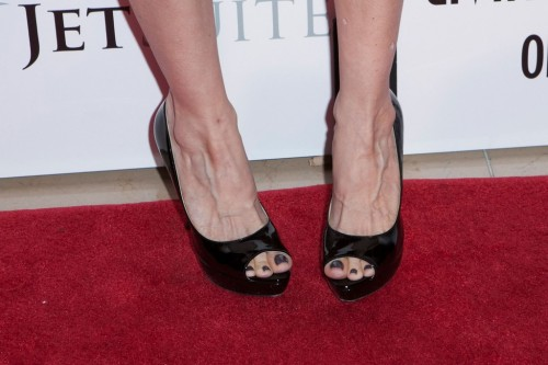 Kelly-Preston-Feet-15a2e16dcb8788c23b.jpg