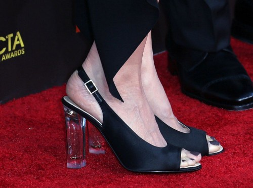 Kelly-Preston-Feet-1ea71ab843e1f1b24.jpg