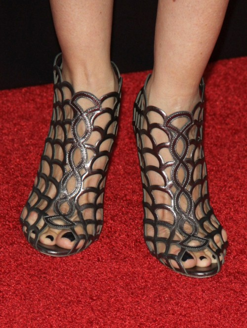 Kelly-Preston-Feet-31b4327113c01462c.jpg