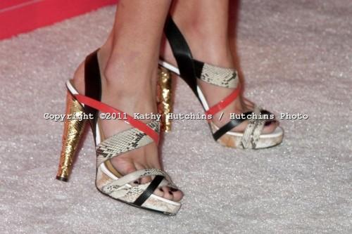 Kelsey-Chows-feet-35759fbe7965df1903.jpg