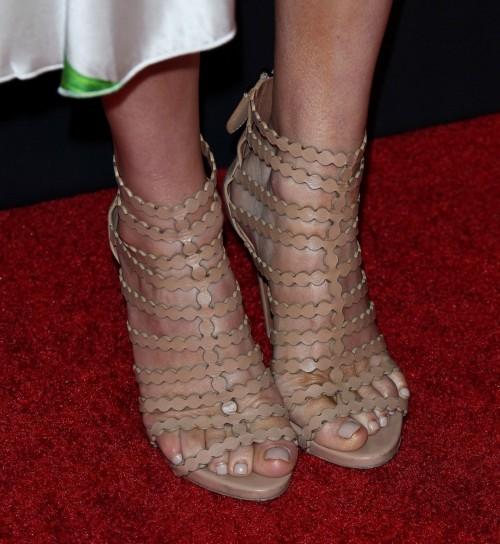 Keltie-Knight-Feet-14d14528216467f77a.jpg