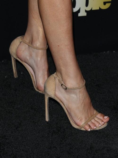 Keltie-Knight-Feet-6c8cd3bab3695747e.jpg