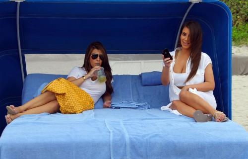 Kim-Kardashian-Wests-Feet-4685ae4eb13afdf6f43.jpg