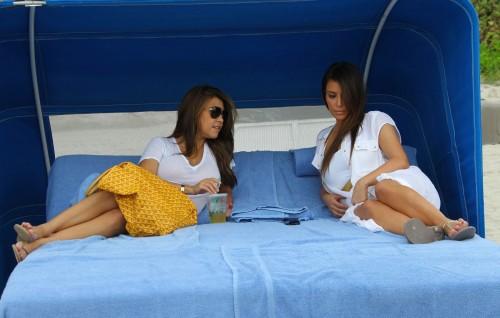 Kim-Kardashian-Wests-Feet-470020d6f31b35a1432.jpg