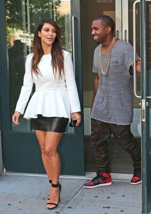 Kim-Kardashian-Wests-Feet-488b9f4735487da0b2b.jpg