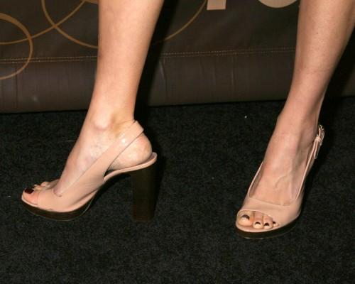 Kim-Raver-Feet-2d7e6fde0250c2e65.jpg