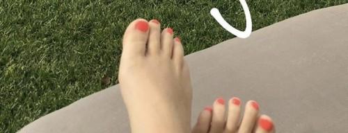 Kimberley-Walsh-Feet-144340ebab5e7eead4.jpg