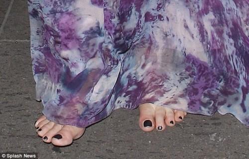 Kirstie-Alley-Feet-12b8b6f80aa31fa17f.jpg