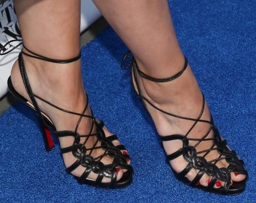 Kristen-Bell-Toes-134d9e50fa42e9a58f.jpg
