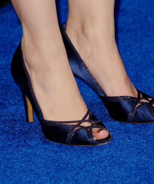 Kristen-Bell-Toes-2b5ca5ae7e17f7f59.jpg