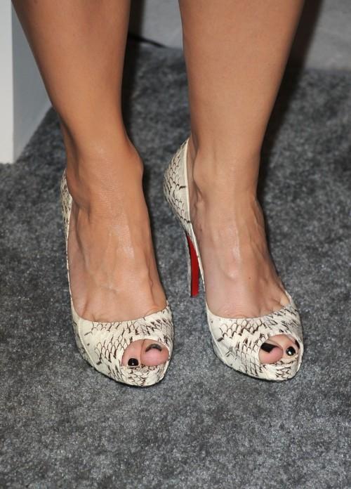 Kristin-Davis-Feet-155307f68021863a5.jpg