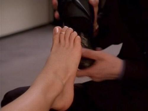 Kristin-Davis-Feet-94d0f3fb8cf03d0d9.jpg