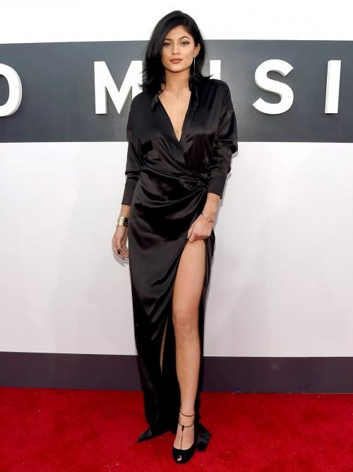 Kylie-Jenners-Feet-2661195781711226d1.jpg