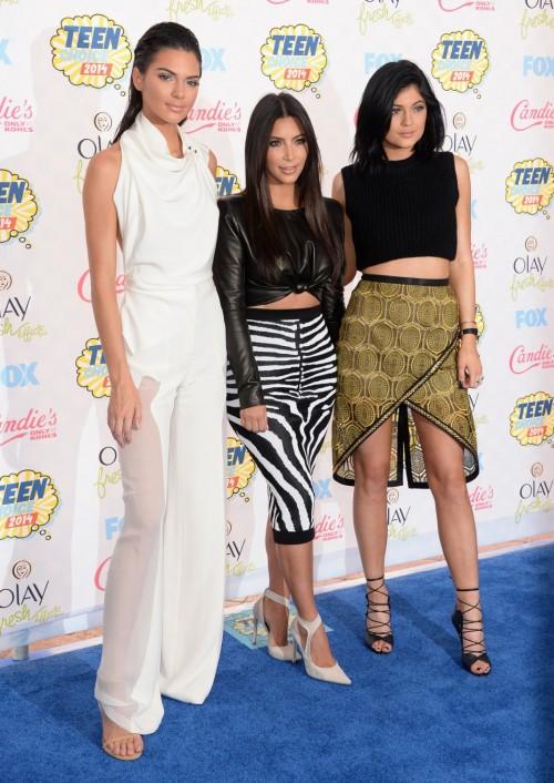 Kylie-Jenners-Feet-329a33c29921428a3b.jpg