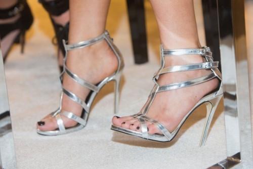 Kylie-Jenners-Feet-382d53f1595610392c.jpg