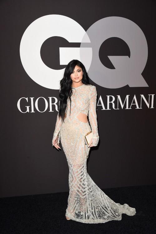 Kylie-Jenners-Feet-409e5a87c14775c214.jpg