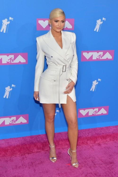 Kylie-Jenners-Feet-4429d65cd4e7140d99.jpg