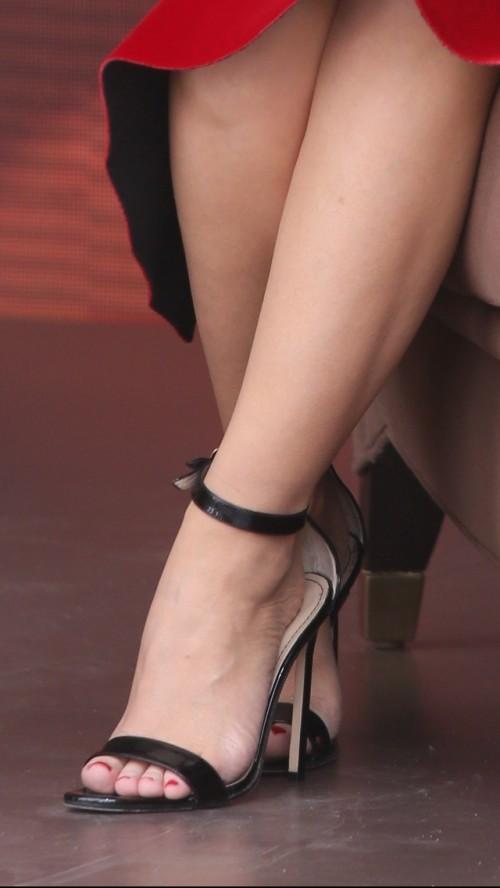 Kylie-Minogue-Feet-1097800ec95925ff79.jpg
