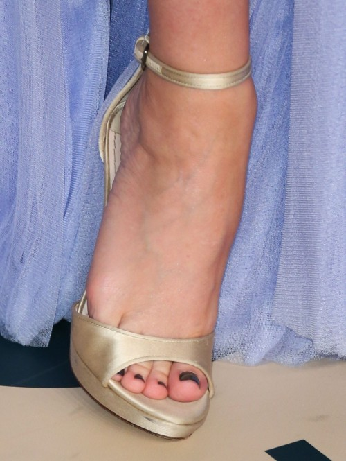 Kylie-Minogue-Feet-1116bd5a64d30f3dda.jpg