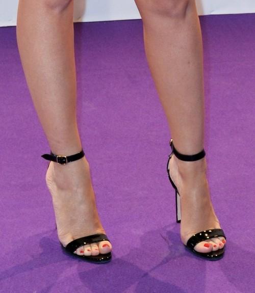 Kylie-Minogue-Feet-18c41e24834c564f79.jpg