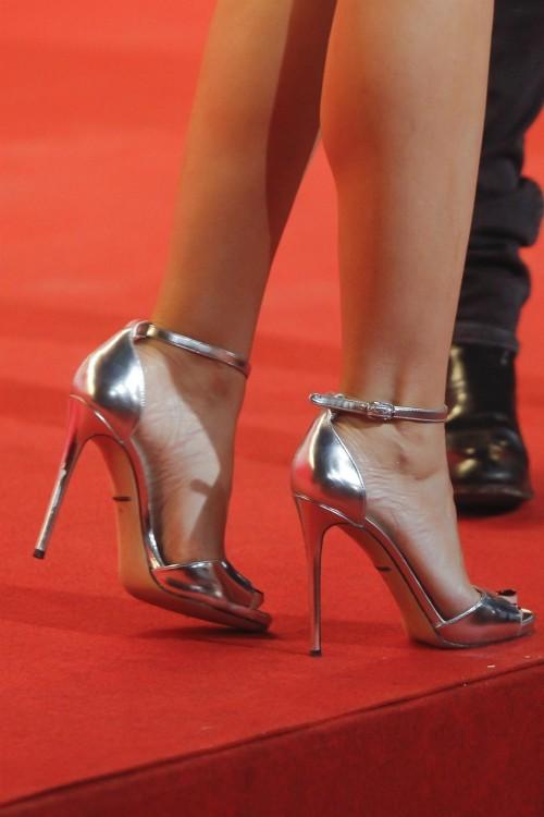 Kylie-Minogue-Feet-25a4c51ac1f30849e4.jpg