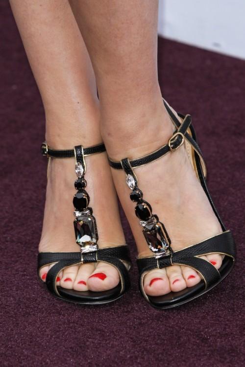 Kylie-Minogue-Feet-2ec4b9348ff2be636.jpg