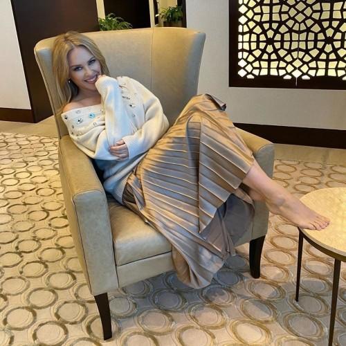 Kylie-Minogue-Feet-30b4c81ec287f38604.jpg