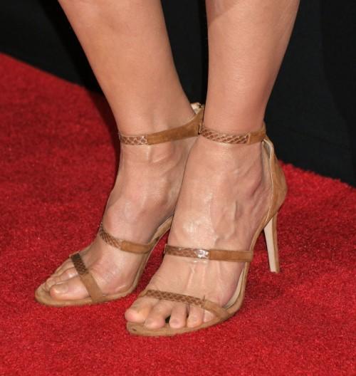 Kyra-Sedgwick-Feet-2234ddbaa60c832a6d.jpg