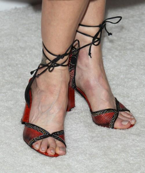 Kyra-Sedgwick-Feet-23f8c3abf4cfb1a55c.jpg
