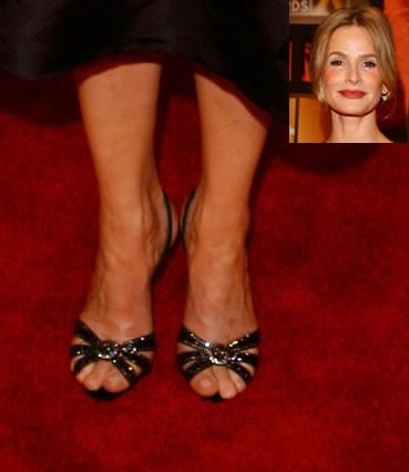 Kyra-Sedgwick-Feet-37c8af46db0555d72.jpg