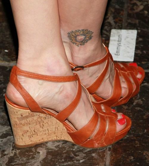 Kyra-Sedgwick-Feet-518f844059ca6c11b.jpg