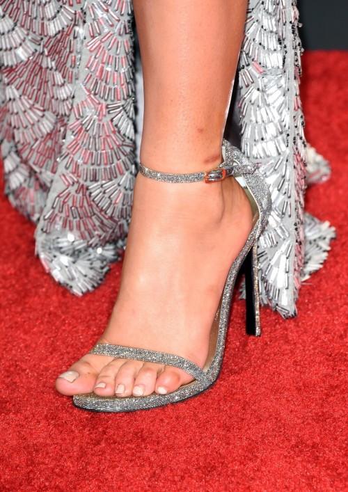 Lady-Gaga-Feet-4b198cf0f038bc26a.jpg
