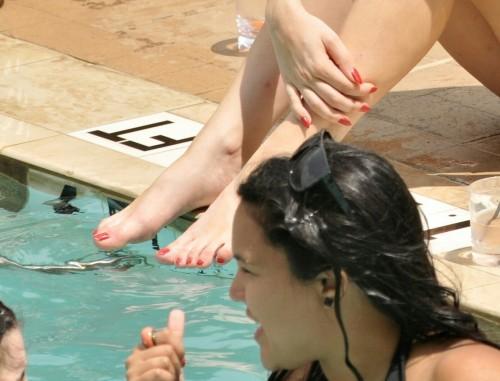 Lady-Gaga-Feet-52e5b752727124ed5.jpg