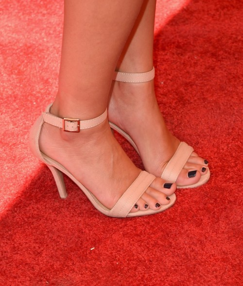 Lauren-Conrad-Feet-340d010fbc4aab531f.jpg