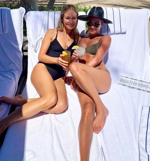 Lea-Michele-Feet-1697c6ebf242beda0a.jpg