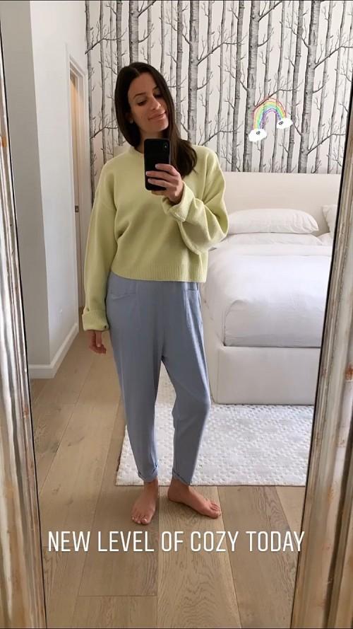 Lea-Michele-Feet-3f2697b2a6872b528.jpg