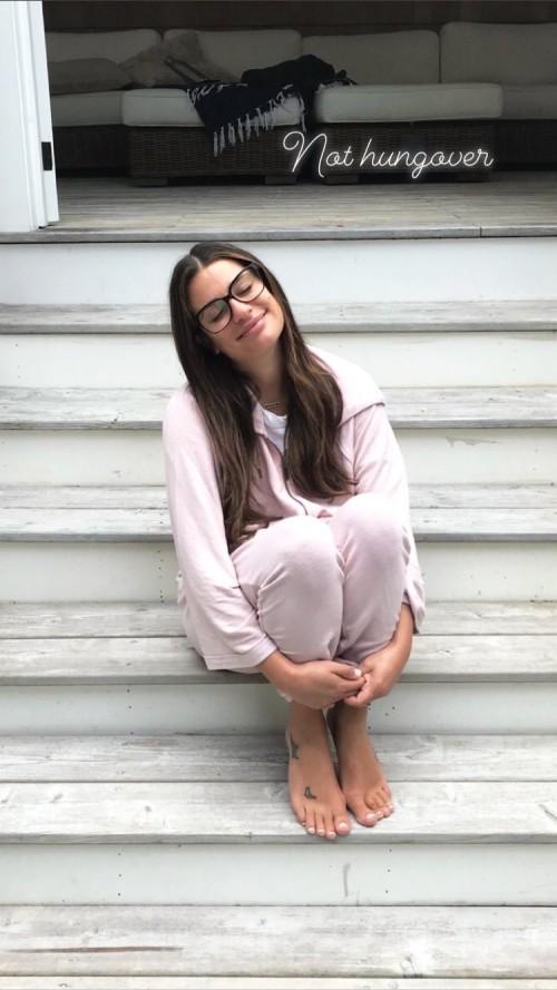 Lea-Michele-Feet-97e0839a65e7cc637.jpg